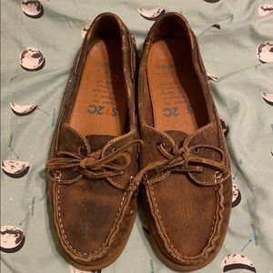 Women's leather boat shoes